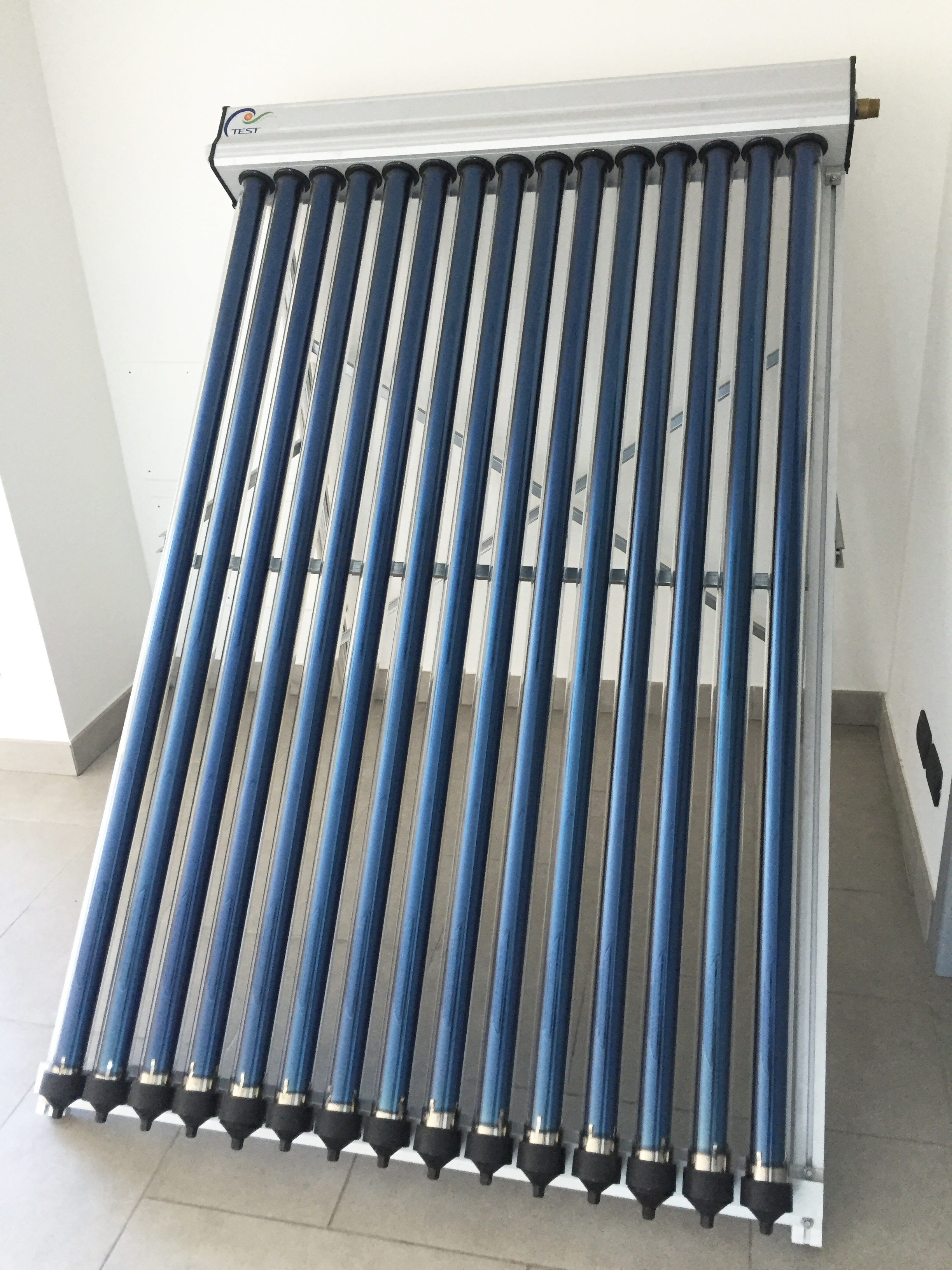 Pannello Solare Termico Tetto : Pannello solare termico heat pipe test cf r